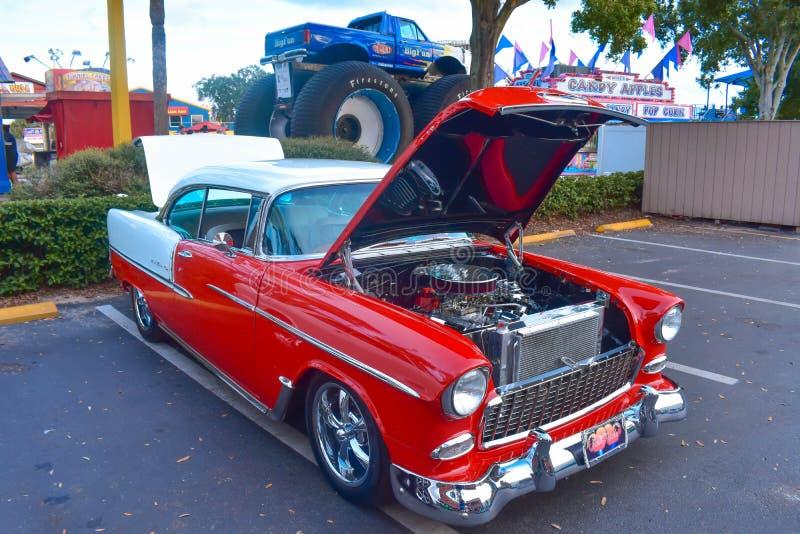 Zijn de het Klassieke Car Show en Cruise van zaterdagnite een weekendtraditie in Oude Stad Kissimmee bij de Oude Stad van Kissimm stock fotografie