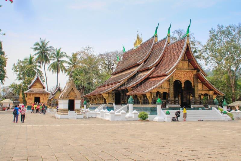 Zijn de het Nationale Museum van Luangprabang en Tempel van Hagedoornkham in Laos de belangrijkste aantrekkelijkheden van de stad stock foto's