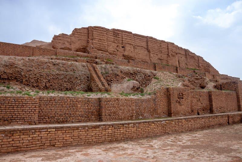 Zikkurat Choqa Zanbil стоковое изображение
