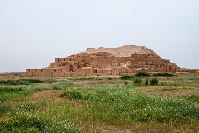 Zikkurat Choqa Zanbil стоковая фотография