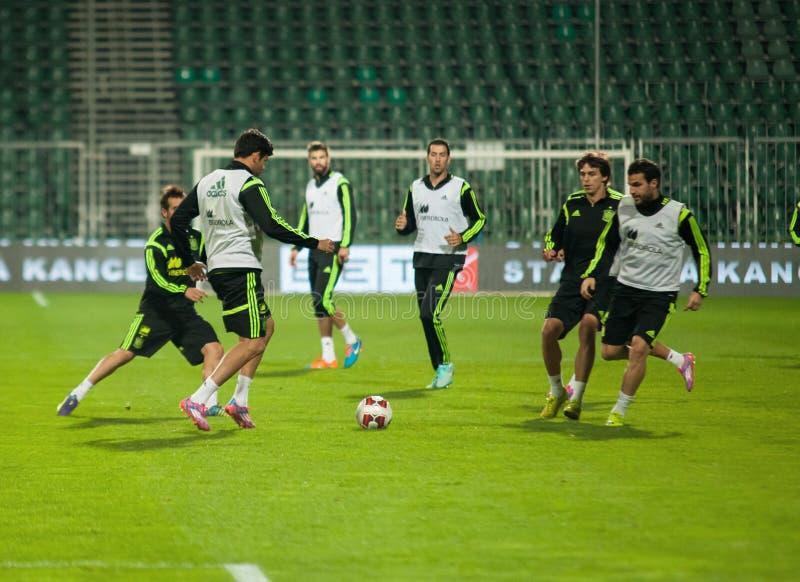 ZILINA, ESLOVÁQUIA - 8 DE OUTUBRO DE 2014: Jogadores de equipa nacional da Espanha fotografia de stock