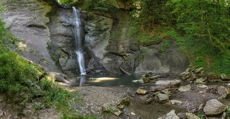 Zillhauser vattenfall - panorama från vänstersidan royaltyfria foton