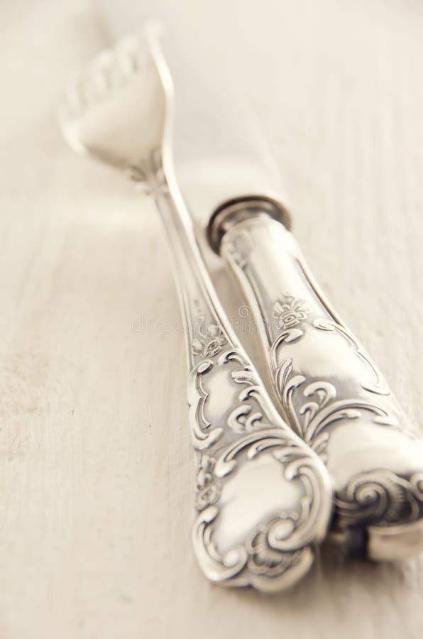 Zilver geplateerd tafelgereedschap stock afbeeldingen