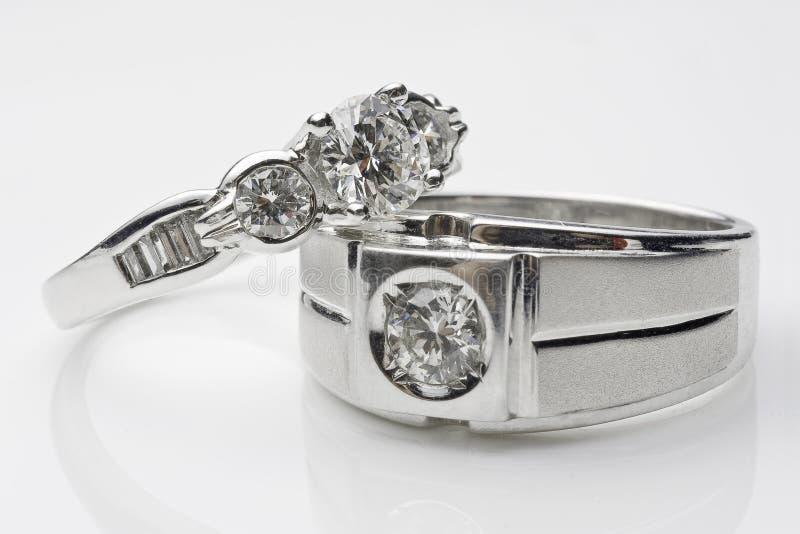 Zilveren bruiloftringen stock fotografie