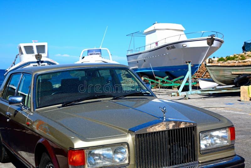 Zilveren Geest Rolls Royce, Mellieha stock fotografie