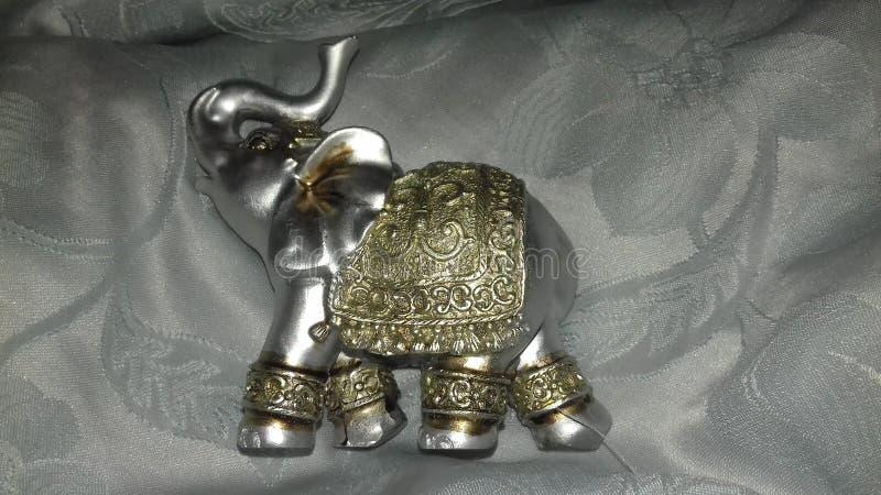 Zilveren gelukkige olifant stock fotografie