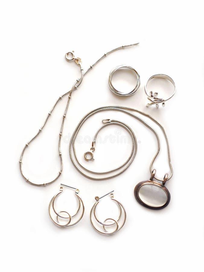 Zilveren juwelen stock afbeeldingen