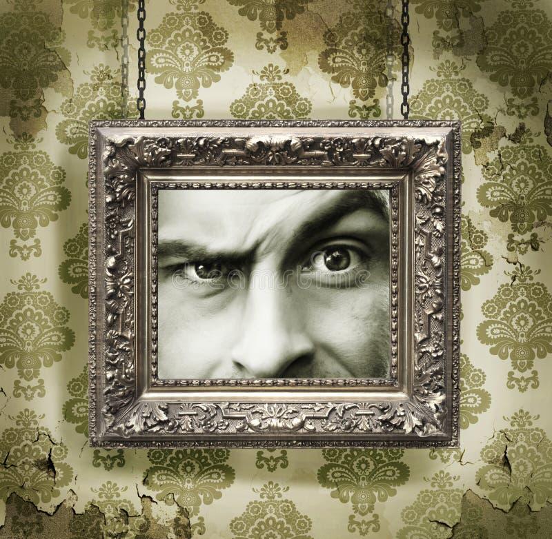 Zilveren omlijsting op behang stock foto's