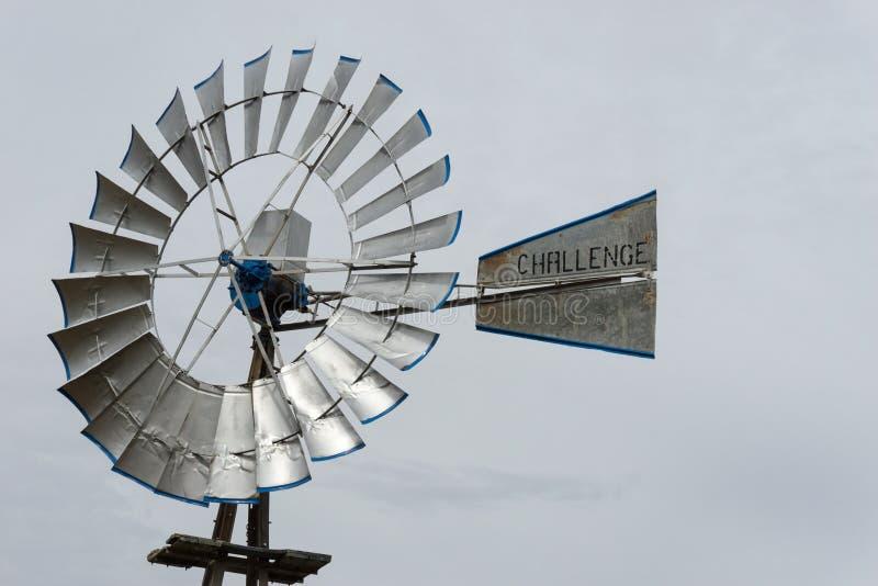 Zilveren windmolen in Lubbock in Texas royalty-vrije stock afbeeldingen