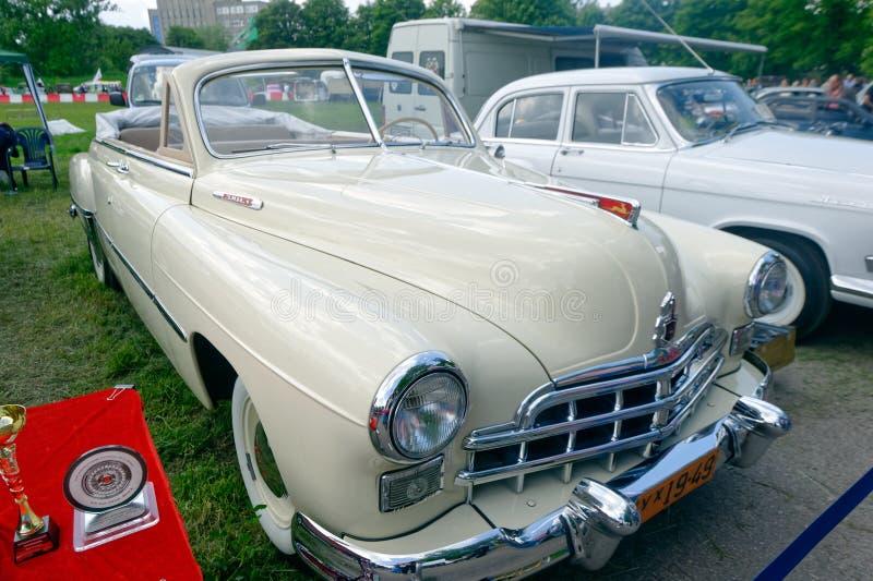 (ZIM) изображение запаса фаэтона GAZ-12 винтажное автомобильное стоковое изображение rf