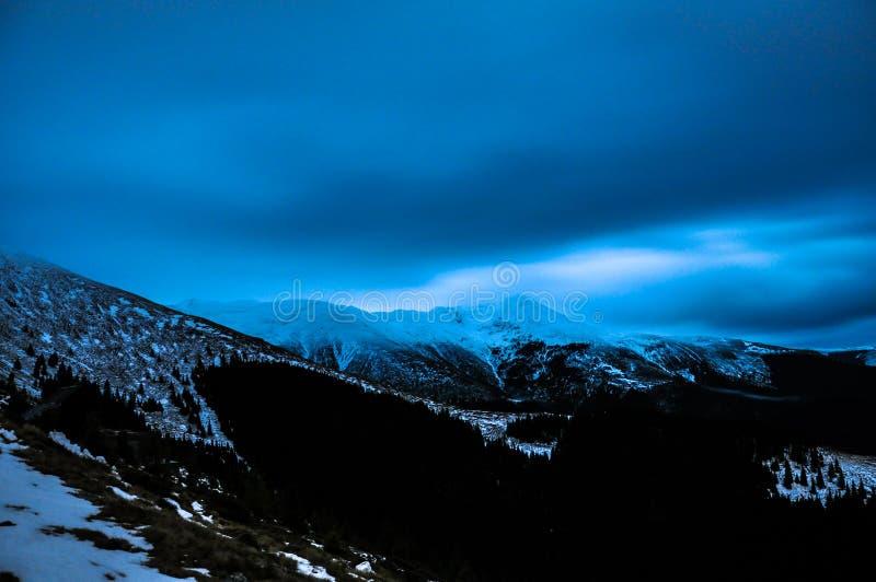 Zim Karpackie góry obraz royalty free