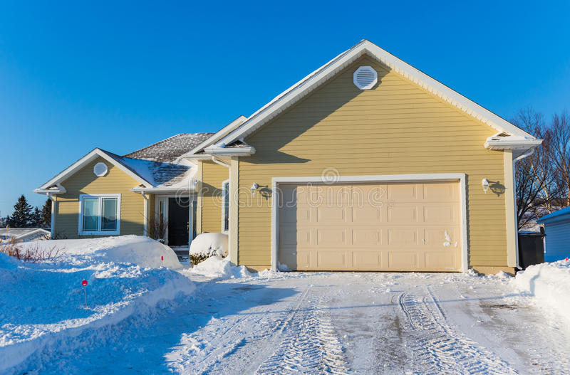 Zima dom zdjęcie stock