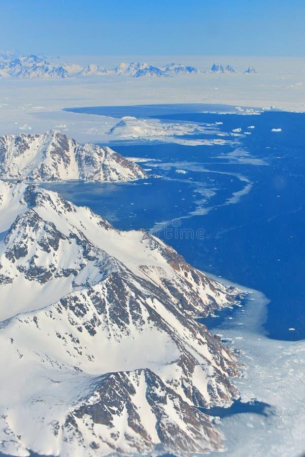 Zima krajobraz - panorama przy biegunem północnym zdjęcia royalty free