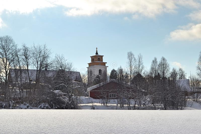 Zima krajobraz w kościelnym grodzkim Gammelstad, Szwecja zdjęcia royalty free