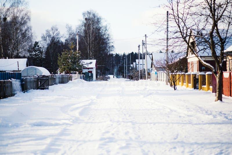 Zima krajobraz wioska w śniegu zdjęcia royalty free