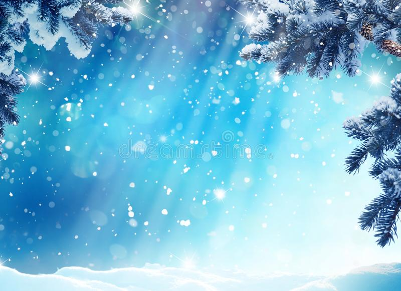 Zima krajobraz z śnieżnymi i jedlinowymi drzewami zdjęcie stock