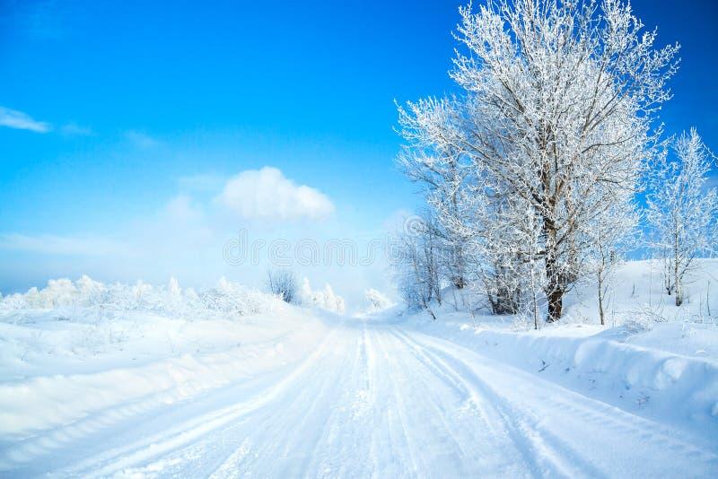 Zima krajobraz z drogą fotografia royalty free