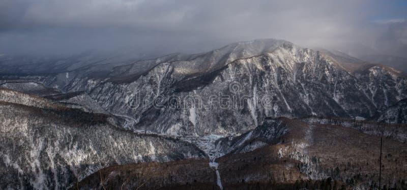 Zima lasu krajobrazu widok od góry Kurodake obrazy stock