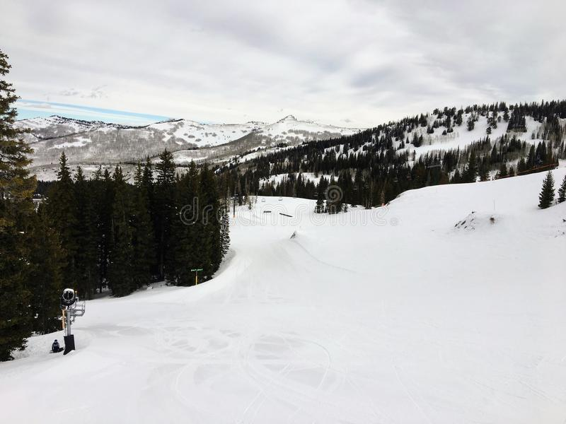 Zima majestatyczni widoki wokoło Wasatch Frontowych Skalistych gór, Brighton ośrodek narciarski blisko do Salt Lake i Heber dolin zdjęcia stock