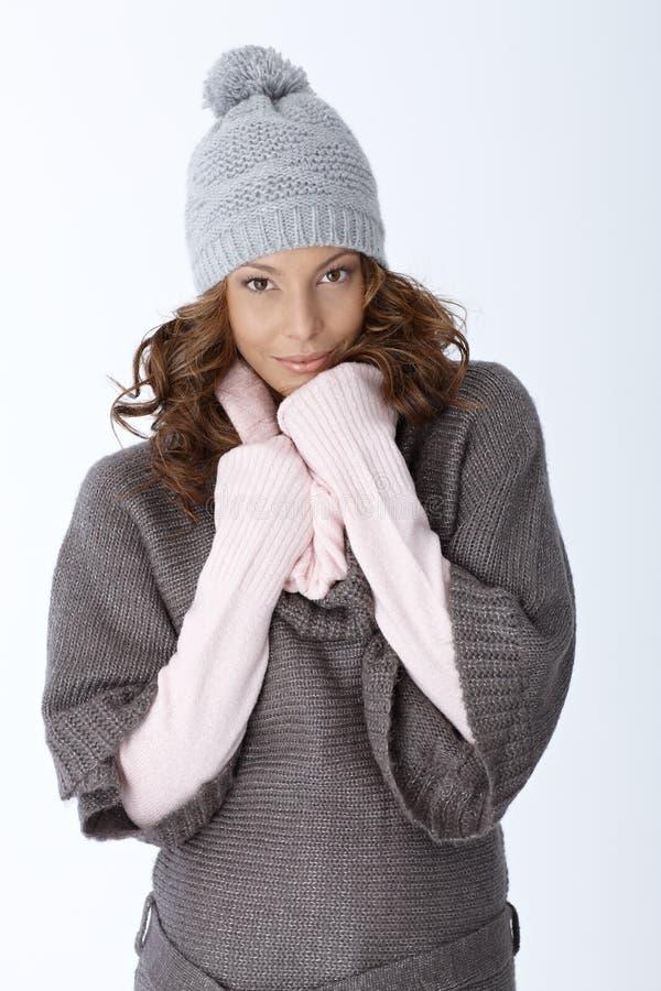 Zima portret atrakcyjna dziewczyna zdjęcia royalty free