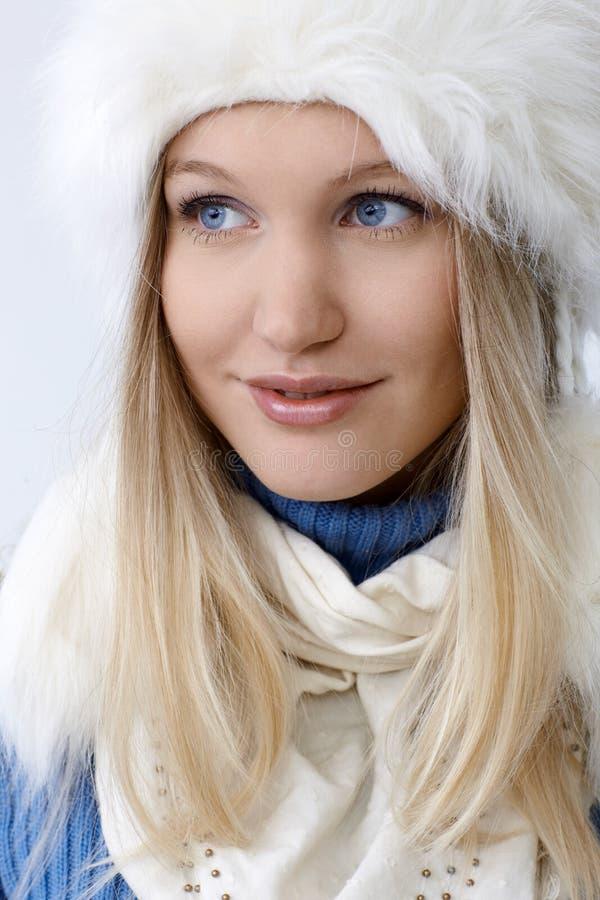 Zima portret atrakcyjna północna kobieta obrazy stock