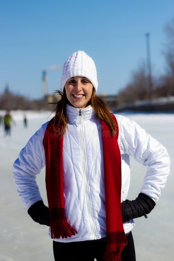 Zima portret młoda, atrakcyjna kobieta, obraz royalty free
