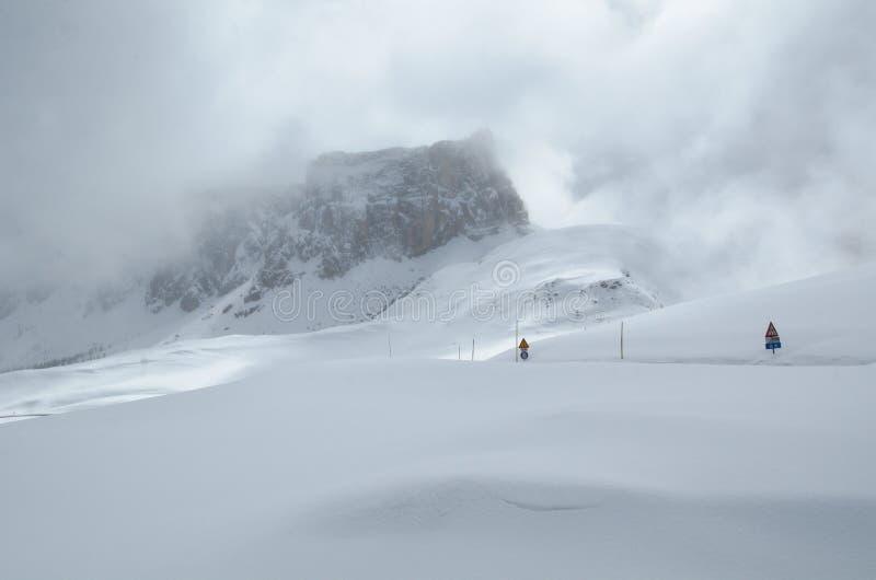 Zima przełęcz fotografia stock
