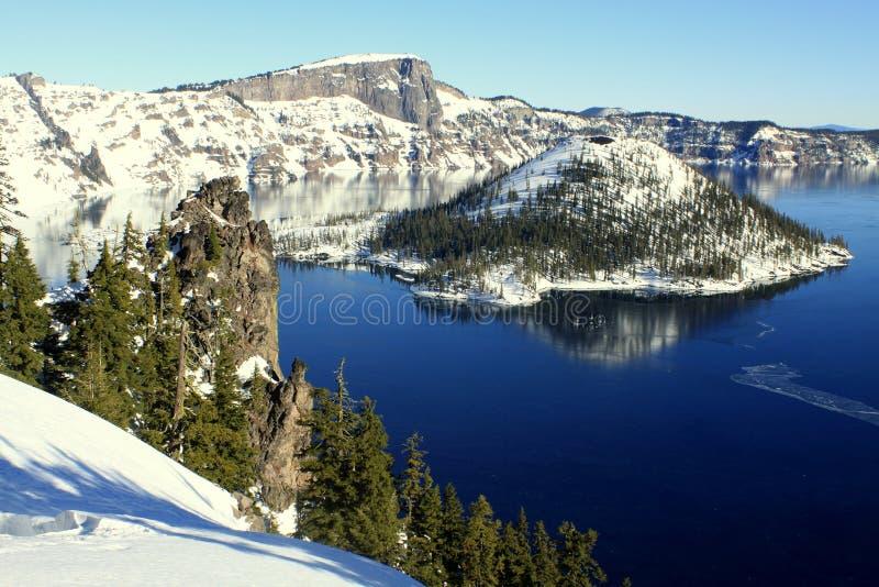 Zima przy Krater jeziora park narodowy zdjęcie royalty free