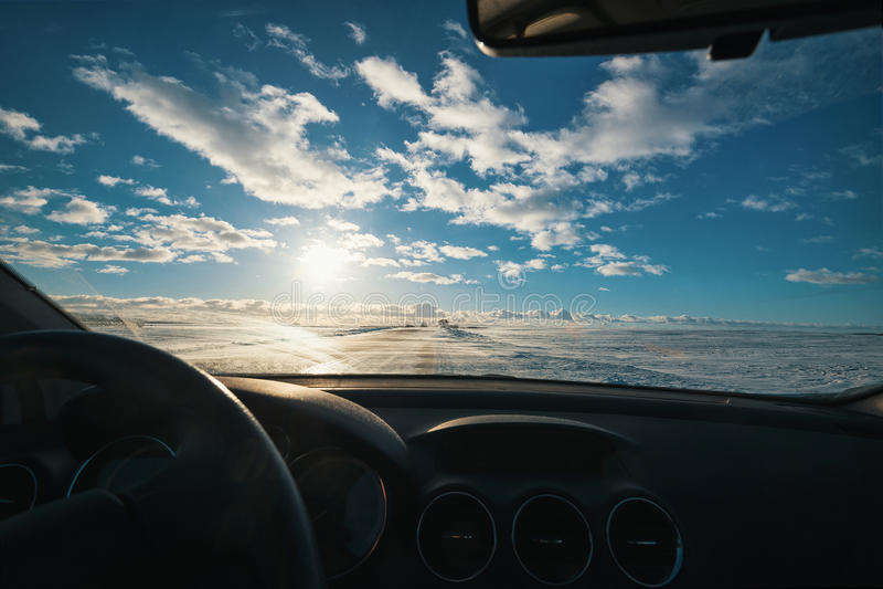 Zima samochód i droga zdjęcia royalty free