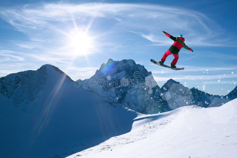 Zima sporta jazda na snowboardzie zdjęcia royalty free