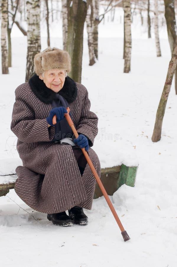 zima stara kobieta zdjęcia royalty free