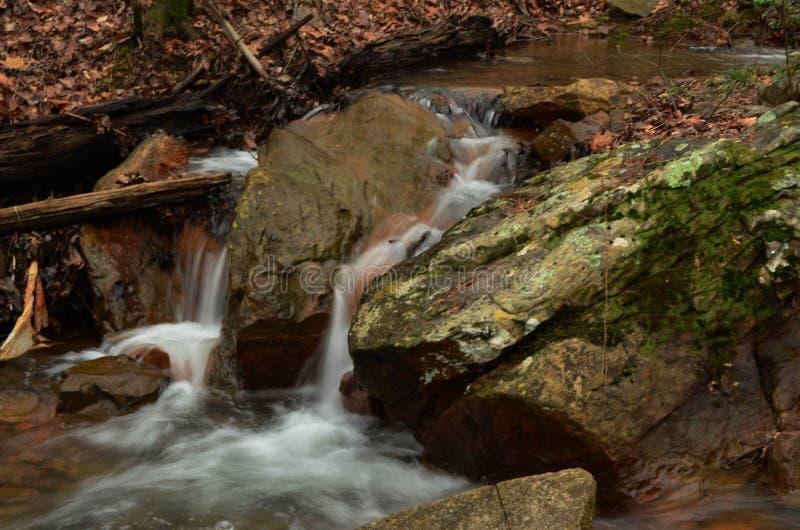 Zima strumień w Gruzja fotografia stock