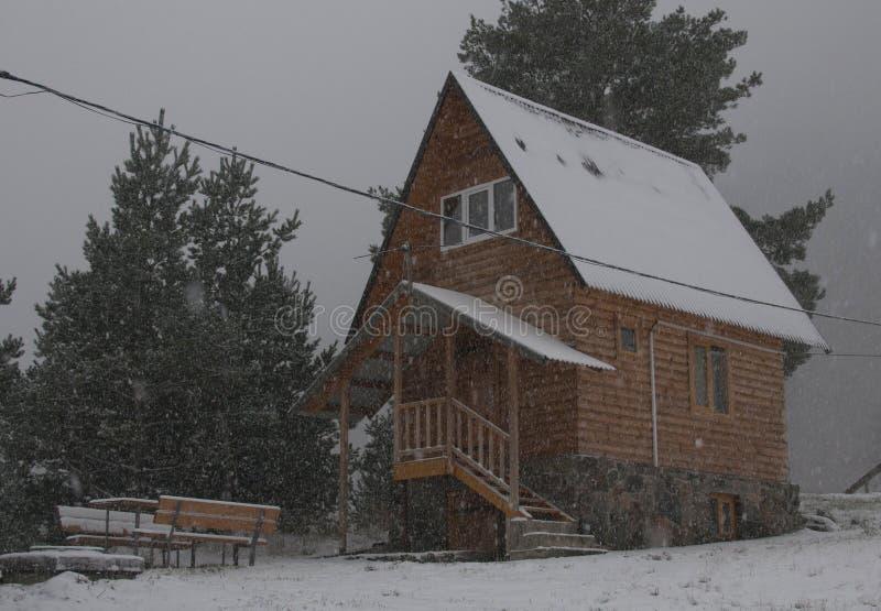 Zima w małej wiosce fotografia royalty free