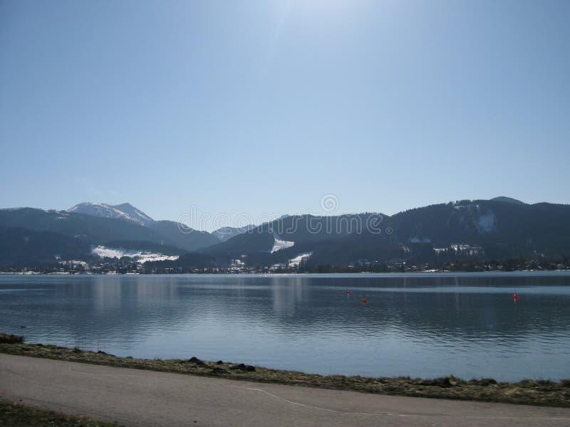 Zima widok Alpejski jezioro obraz stock