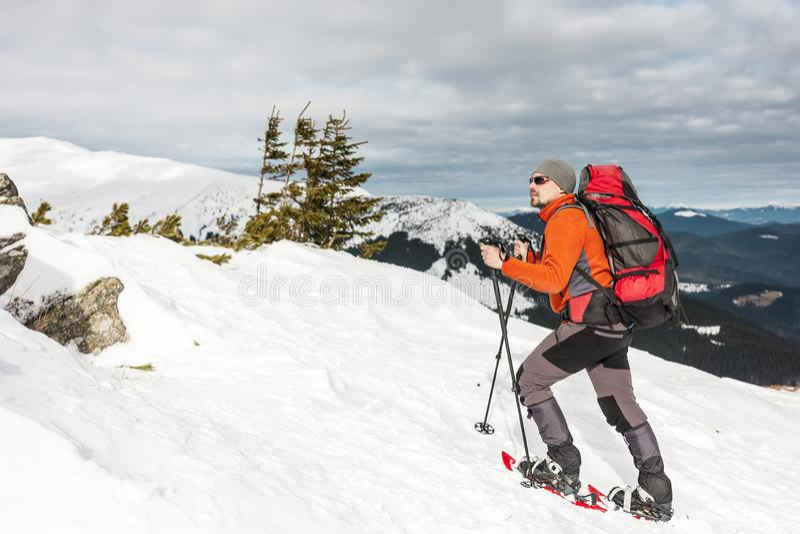 Zima wspina się górę fotografia royalty free
