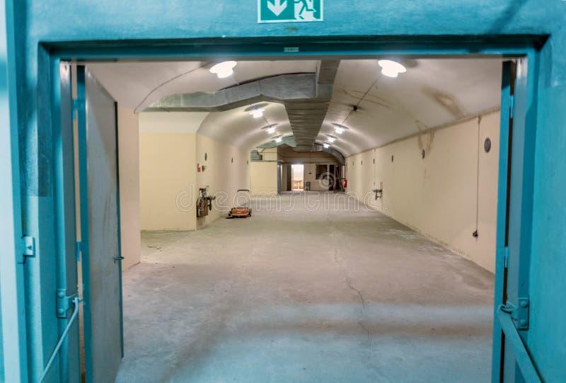 Zimnej wojny bunkieru wnętrza dorr fotografia royalty free