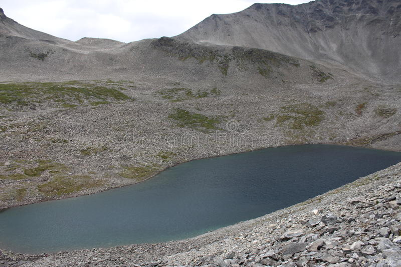 Zimny halny jezioro Blisko Trollstigen, Norwegia zdjęcia royalty free