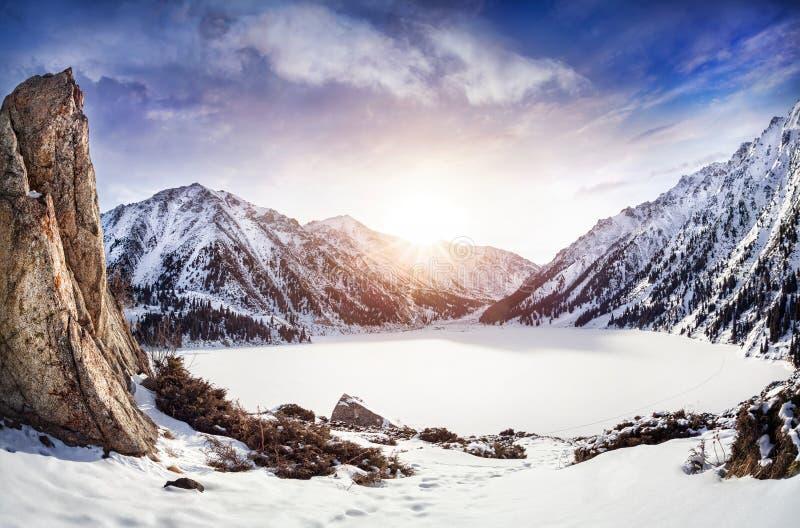 Zimy Góra jezioro obrazy stock