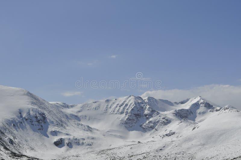 Zimy góry krajobraz, Rila góra, Bułgaria fotografia stock