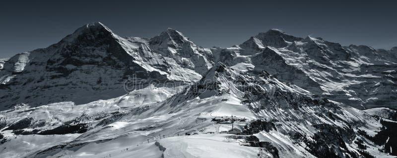 Zimy kraina cudów w Szwajcarskich Alps obrazy stock