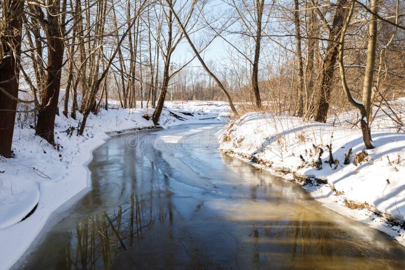 Zimy krajobrazowa rzeka zdjęcia royalty free