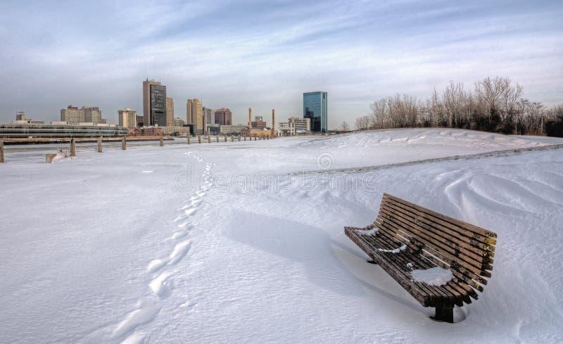 Zimy miasta linia horyzontu zdjęcia stock