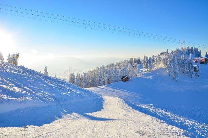 Zimy narty skłon fotografia stock