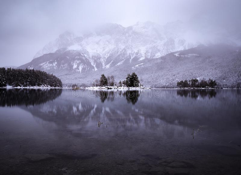 Zimy odbicie obrazy royalty free
