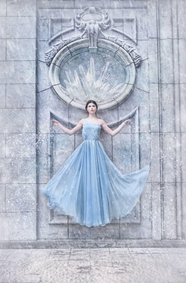 Zimy princess, śnieżna sceneria obrazy royalty free