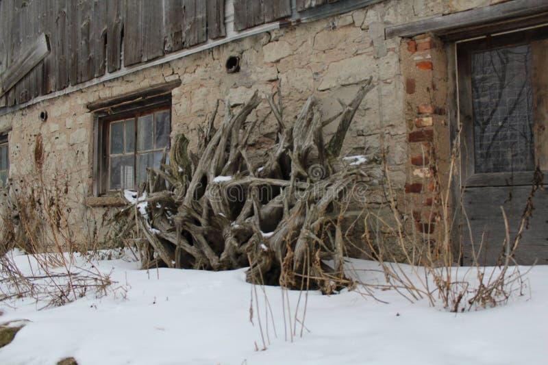 Zimy scena przy gospodarstwem rolnym obraz royalty free