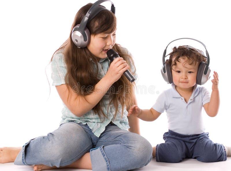 Zingende kinderen. stock foto's