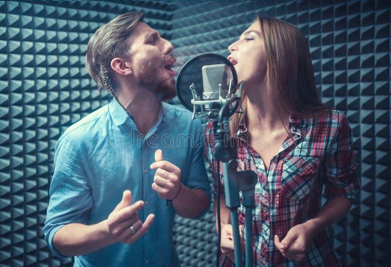 Zingende mensen royalty-vrije stock afbeelding