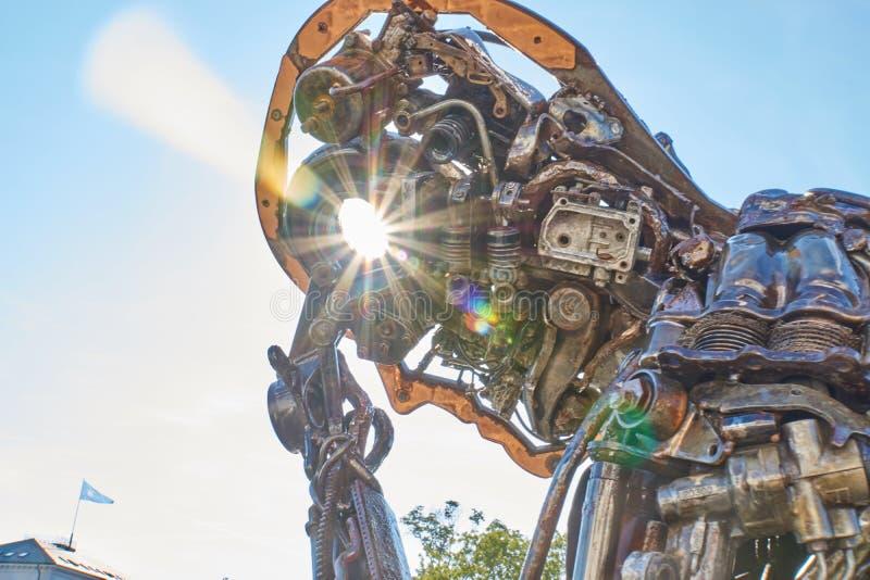 Zinkglobal statua w słońcu zdjęcie royalty free