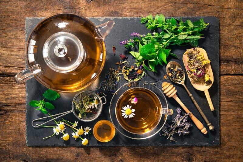 Ziołowa herbata z miodem zdjęcie royalty free